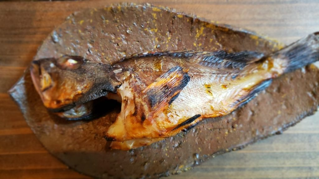 カサゴの塩焼き(焼きすぎ)