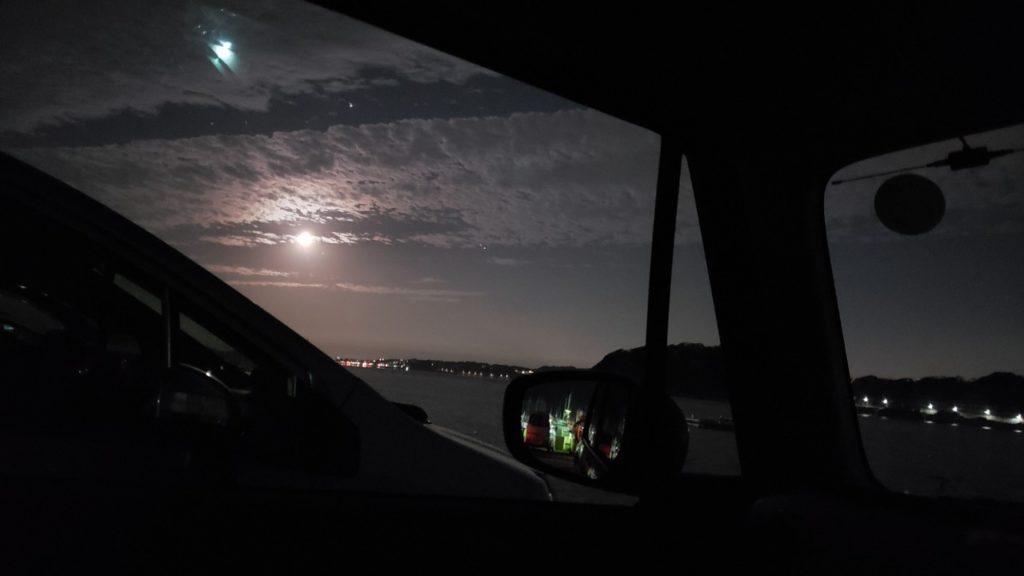 月明りがキレイ