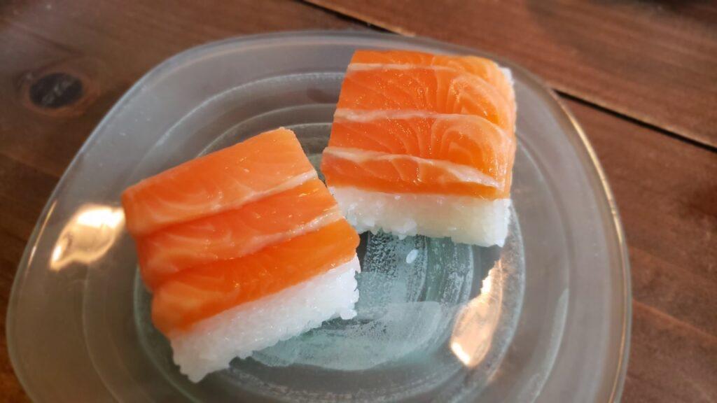 まさしくマス寿司そのもの